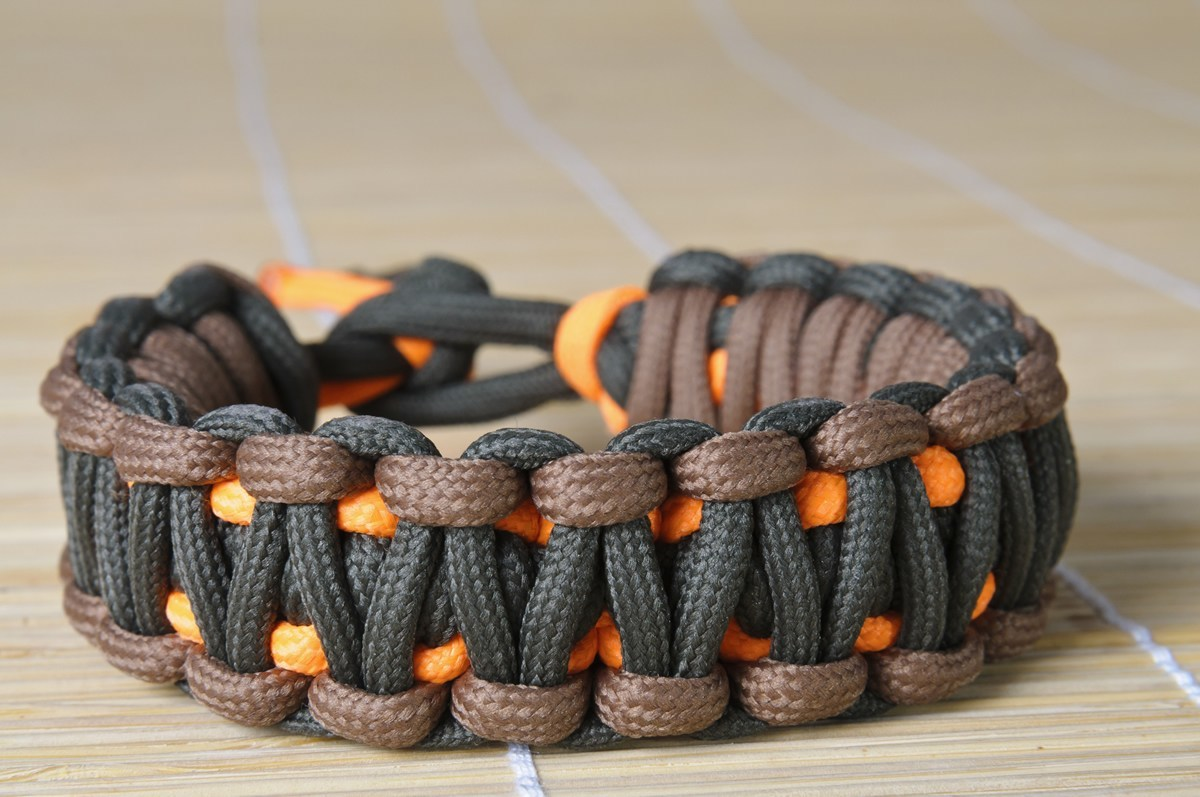 31 uses for paracord bracelets survival watchdog for Things you can do with paracord