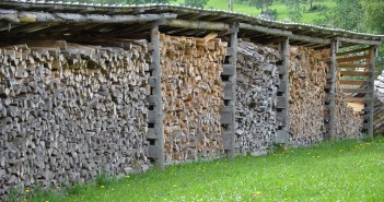 How to Chop and Store Wood